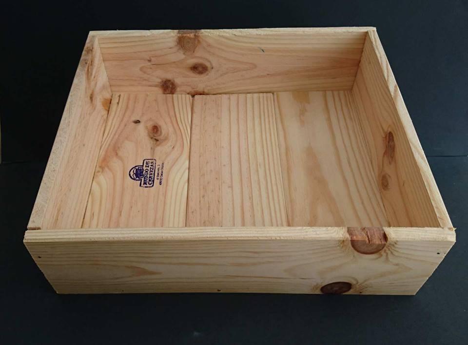 Caja de 27x25x9